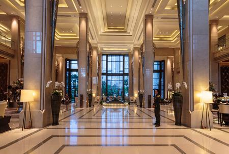 Die Atmosphäre im Inneren des Hotels wunderschön eingerichtet Standard-Bild - 68329670