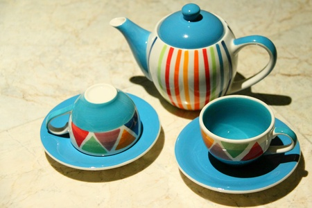 Teapot and cups set