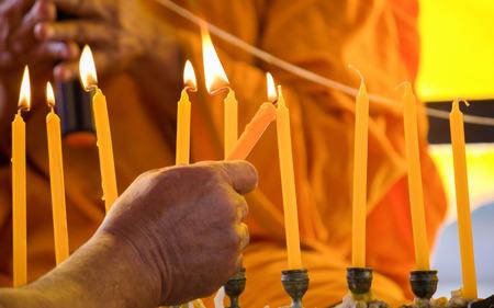 teorema: llama de la vela en el budismo, Tailandia