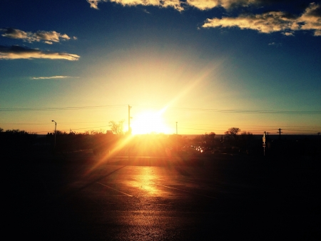 Zonsondergang scène uit een willekeurige parkeerplaats