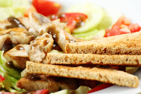 wheat toast: Grilled chicken with vegetable salad and whole wheat toast  detail