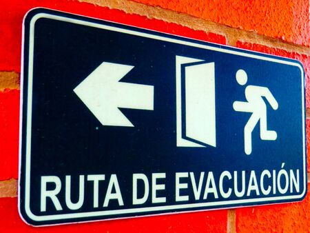 Evacuation Route Sign Text Spanish