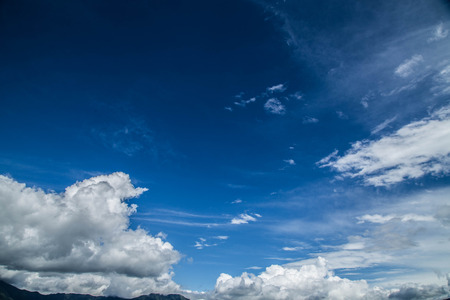 Blue sky and white clouds Imagens
