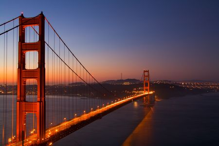 Golden Gate Bridge at Dawn 版權商用圖片
