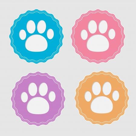 paw print: Conjunto de cuatro etiquetas con impresi�n de la pata. Card. Ilustraci�n del vector.