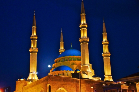 beirut lebanon: The Mohammed el Amine Mosque at night, Beirut, Lebanon