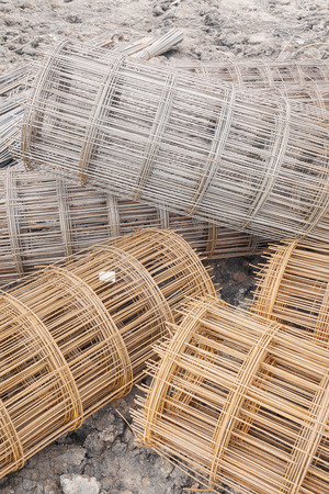 construction mesh: steel wire mesh used to reinforce concrete in construction
