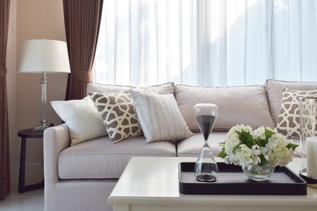living room design: modern living room design with sofa and lamp