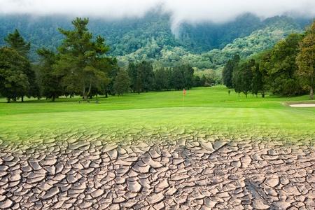 sequias: Campo de golf y la tierra seca