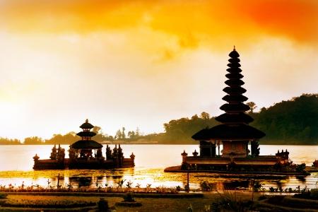tempels: Pura Ulun Danu Bratan tempel, Bali, Indonesië Stockfoto