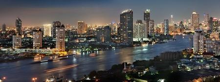 黄昏のバンコク都市