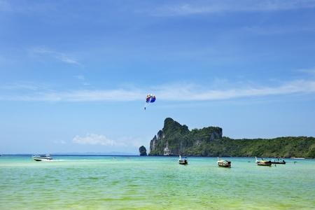 Para sailing on boat in Phi Phi island ,Thailand