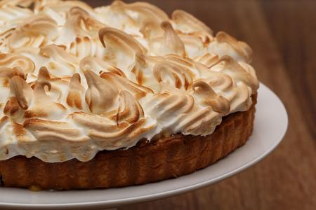 pith: Merengue de lim�n Pie de Fuente para servir comida