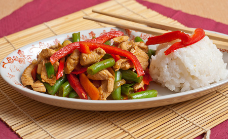 Pad thai with Green Bean, Chicken, Chili and Carrots Banco de Imagens