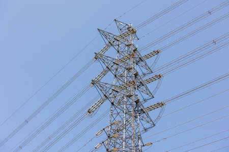 Transmission lines and transmission towers for power supply