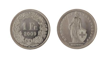 frank szwajcarski: Jeden Swiss Franc monety samodzielnie na białym tle Zdjęcie Seryjne