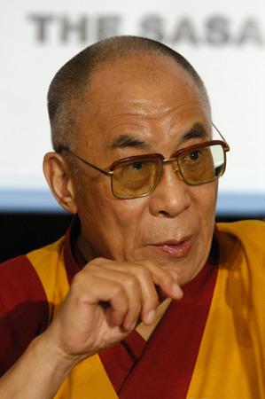 PRAGUE - NOVEMBER 17: His Holiness Dalai Lama during his official visit in Prague, Czech Republic, on November 17, 2010. 에디토리얼