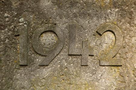 cronologia: A�o 1942 tallada en la piedra. Los a�os de la Segunda Guerra Mundial.