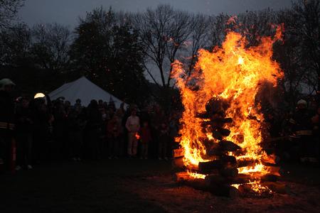 魔女の夜カンパ島で魔女の燃焼でプラハ、チェコ共和国。