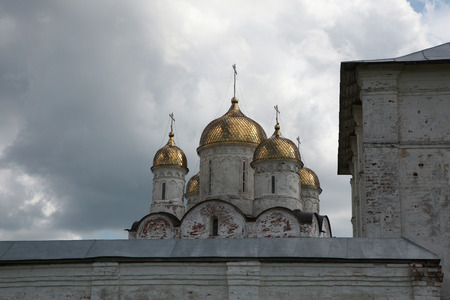 16th century: Cathedral of the Nativity of the Virgin from the 16th century in the Luzhetsky monastery in Mozhaysk near Moscow, Russia.