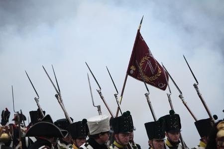 reenactor: Tvaro?n�, REP�BLICA CHECA? 03 de diciembre 2011: Re-enactors uniformados como soldados franceses acuden a la recreaci�n de la batalla de Austerlitz (1805) cerca de Tvarozna, Rep�blica Checa.
