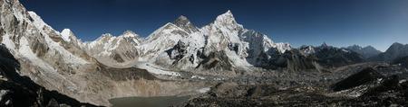 mount everest: Mount Everest (8,848 m) and the Khumbu Glacier from the summit of Kala Patthar (5,644 m) in Khumbu region, Himalayas, Nepal.