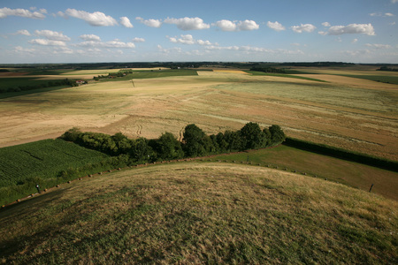 battlefield: Battlefield of the Battle of Waterloo 1815 near Brussels, Belgium, pictured from the top of the Lion Mound.