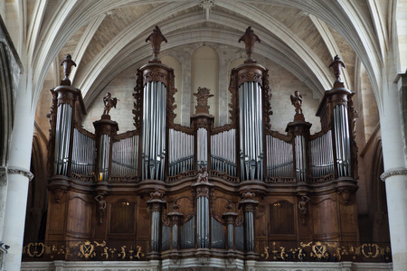 pipe organ: Pipe organ in the Bordeaux Cathedral in Bordeaux, Aquitaine, France. Editorial