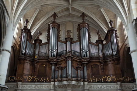 aquitaine: Pipe organ in the Bordeaux Cathedral in Bordeaux, Aquitaine, France. Editorial