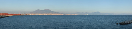 golfo: Panoramic view of the Gulf of Naples and Mount Vesuvius pictured from Naples, Campania, Italy.