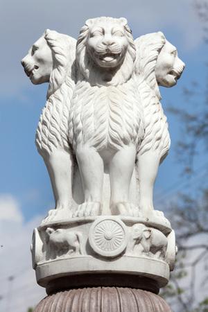 インドの国章。サールナートからアショーカ王の柱のライオンの首都。 写真素材