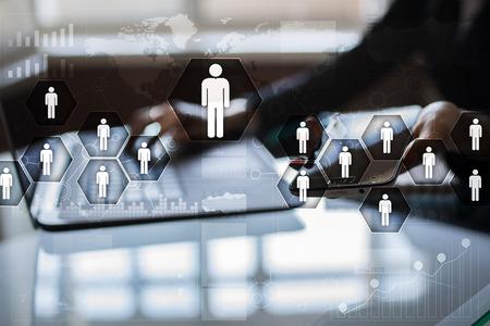 Personalmanagement, HR, Rekrutierung, Führung und Teambuilding. Geschäfts- und Technologiekonzept. Standard-Bild - 83814074