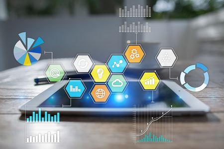 Icônes et graphiques d'applications colorées sur écran virtuel. Concept d'entreprise, internet et technologie. Banque d'images