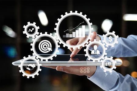 Concept de processus métier sur l'écran virtuel. Banque d'images