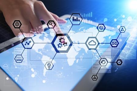 IOT, automatización, industria 4.0. Tecnología de la información en concepto de fabricación. Fábrica inteligente.