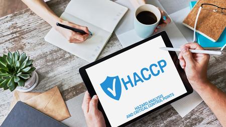 HACCP - Analyse des risques et maîtrise des points critiques. Norme et certification, règles de gestion du contrôle qualité pour l'industrie alimentaire. Banque d'images