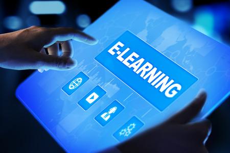 E-learning, educación en línea, estudio de Internet. Concepto de negocio, tecnología y desarrollo personal en pantalla virtual.