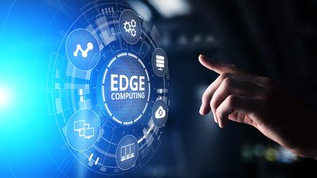 Tecnología informática moderna de Edge Computing en concepto de pantalla virtual Foto de archivo