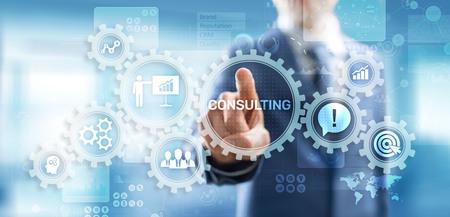 Concetto di consulenza aziendale sullo schermo virtuale. Archivio Fotografico