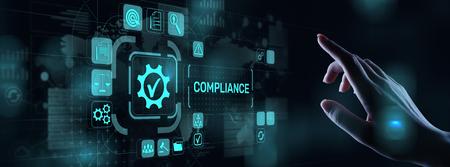 Concepto de cumplimiento con iconos y texto. Regulaciones, ley, estándares, requisitos, diagrama de auditoría en pantalla virtual.