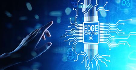 Edge Computing moderne IT-Technologie auf virtuellem Bildschirmkonzept.
