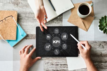 KPI - Key Performance Indicator. Verbesserung der Effizienz von Geschäftsprozessen.
