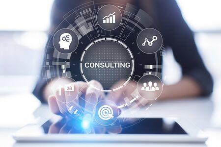Concetto di consulenza aziendale sullo schermo virtuale.