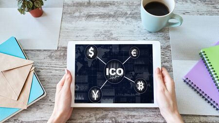 ICO - Initial coin offering. Blockchain and financial technology concept. Zdjęcie Seryjne