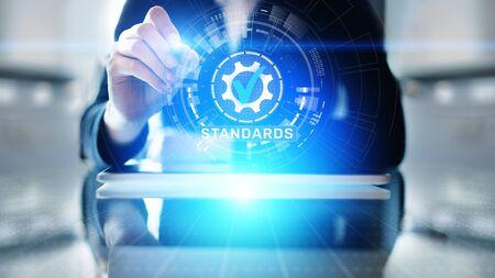 Standard. Qualitätskontrolle. ISO-Zertifizierung, Sicherheit und Garantie. Internet-Business-Technologie-Konzept. Standard-Bild