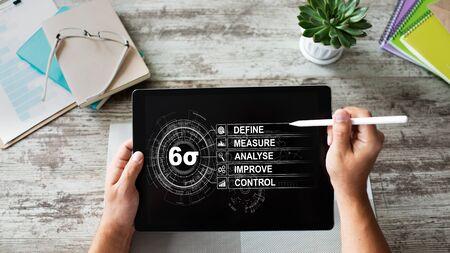 Six Sigma Diagramm, Lean Manufacturing Industriekonzept auf dem Bildschirm. Standard-Bild