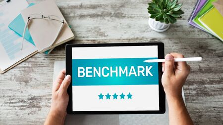 BENCHMARK, business processes and performance metrics to industry bests practices from other companies. Standard-Bild