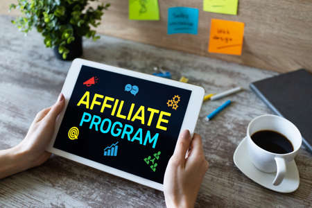 Affiliate program marketing and advertising business concept on screen Imagens