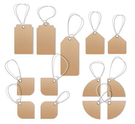 Cartellini dei prezzi, etichette vuote, cartellini di vendita ed etichette. Mocap realistico, filo dettagliato, trama di cartone.