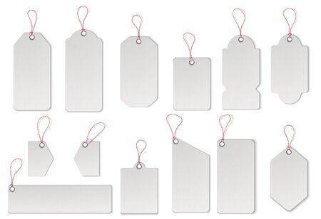 Étiquettes de vente texturées réalistes avec des cordes. Vecteur.